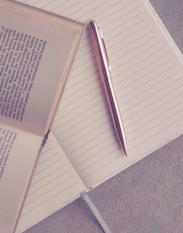 book-and-pen-on-notebook-895465